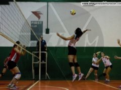 FIRST Huracán voley mayores