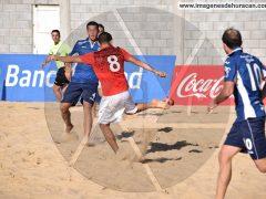 Futbol playa Huracan vs. Acassuso