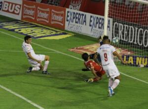 casi gol de huracán contra argentinos